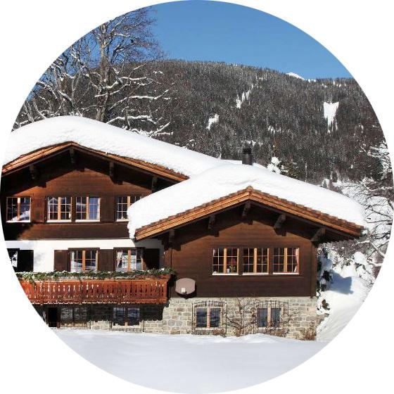 Классика жанра - комбинированный дом с обходным балконом - галереей