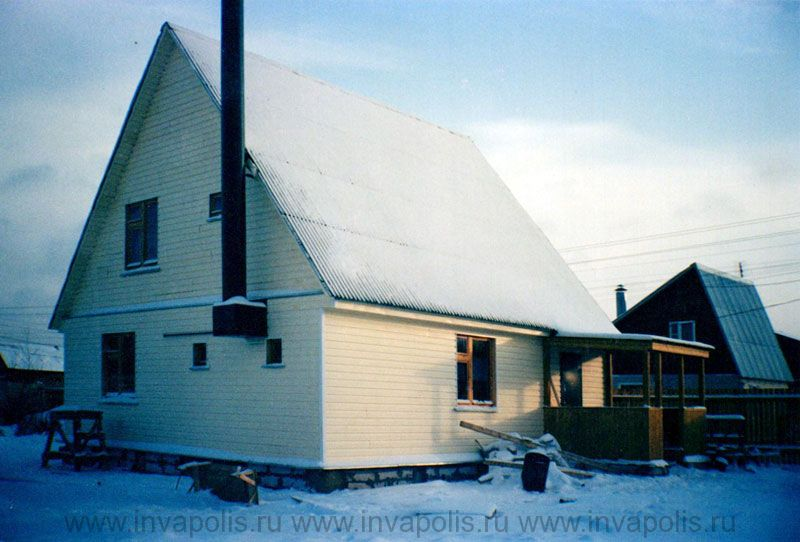 ДО перестройки площадь помещений старого деревянного дома в Крутасово была 120м2.